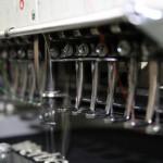 Jonas Druck Produktionsprozess der Textilveredelung mit Stickerei.