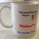 Jonas Druck individuelle Veredelung von Tassen als Werbemittel für Yakult.
